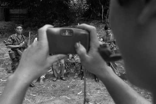 KLNA Rebel solders take a group portrait. Near Mae Sot, 2006