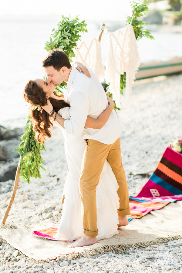 5j DIY Beach Seaside Elopement Editorial -01419.jpg