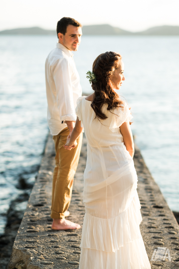 6g DIY Beach Seaside Elopement Editorial -01451.jpg