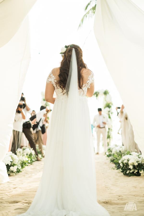 42 2 Louie Arcilla Weddings & Lifestyle - Boracay beach wedding-8.jpg