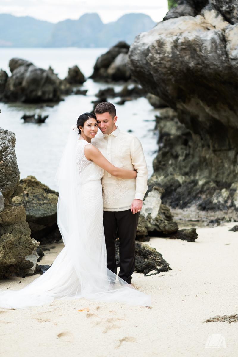 2z 5 Louie Arcilla Weddings & Lifestyle - El Nido Palawan beach wedding-0012.jpg