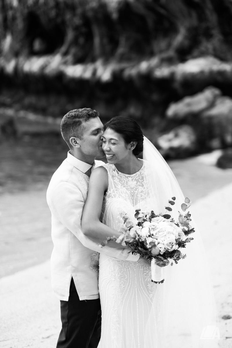 3k 5 Louie Arcilla Weddings & Lifestyle - El Nido Palawan beach wedding-9892.jpg