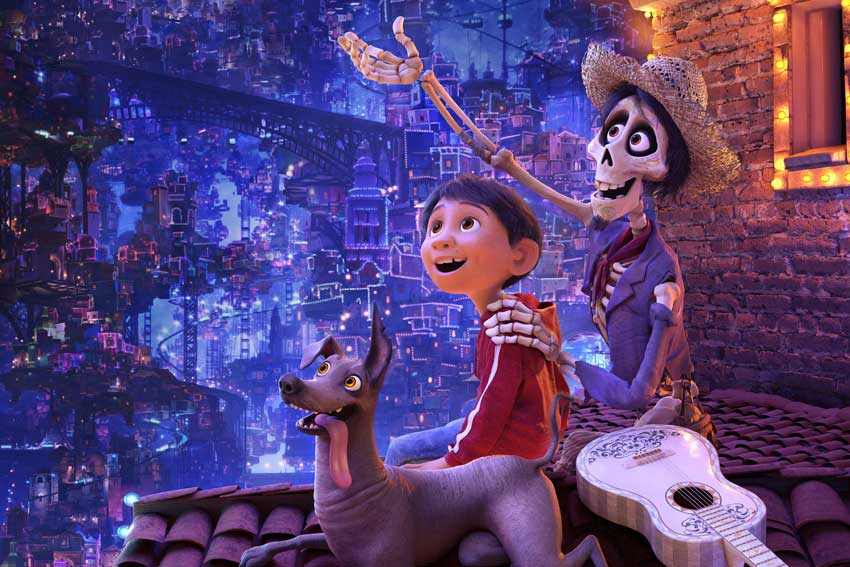 Coco (2017) - Amanda welcomes return guests Tim and Robb to discuss the animated hit Coco. Tim struggles with some of the philosophical ideas the movie brings up, Robb gets the grandma feels and Amanda is disgusted by Disney's marketing ploys. They also review the short film, Olaf's Frozen Adventure.