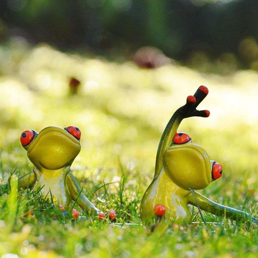 Meadow-Frogs-Green-Sweet-Cute-Animal-Yoga-Fig-1109790.jpg