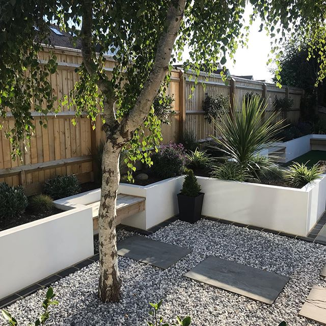 Amazing how plants transform your outdoor space! Always nice to go back to a garden after a season's growth. #garden #landscaping #landscaper #brightonandhove #gardenmakeover #planting #homeimprovements