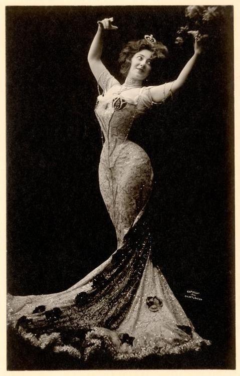 Anna Held, 1902