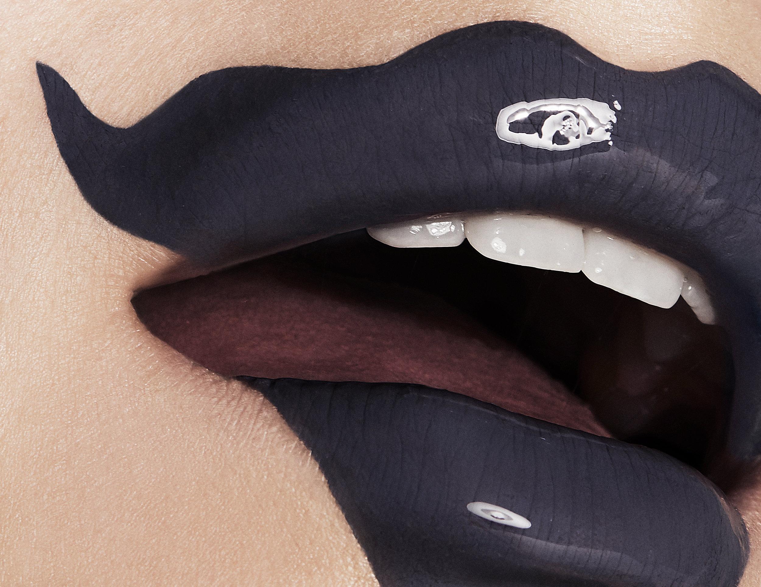 Overdrawn_Lips_03_105.jpg