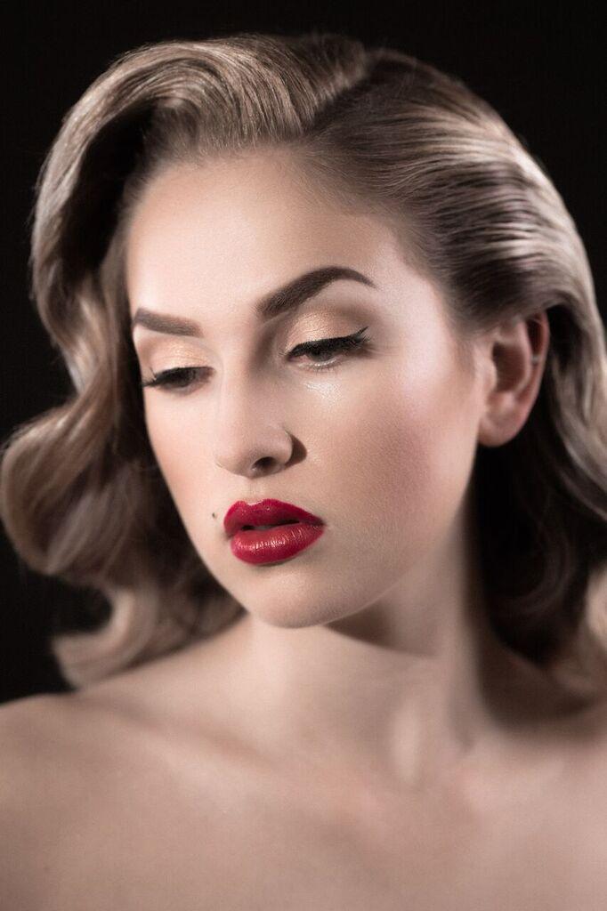 Makeup Artist P Tran