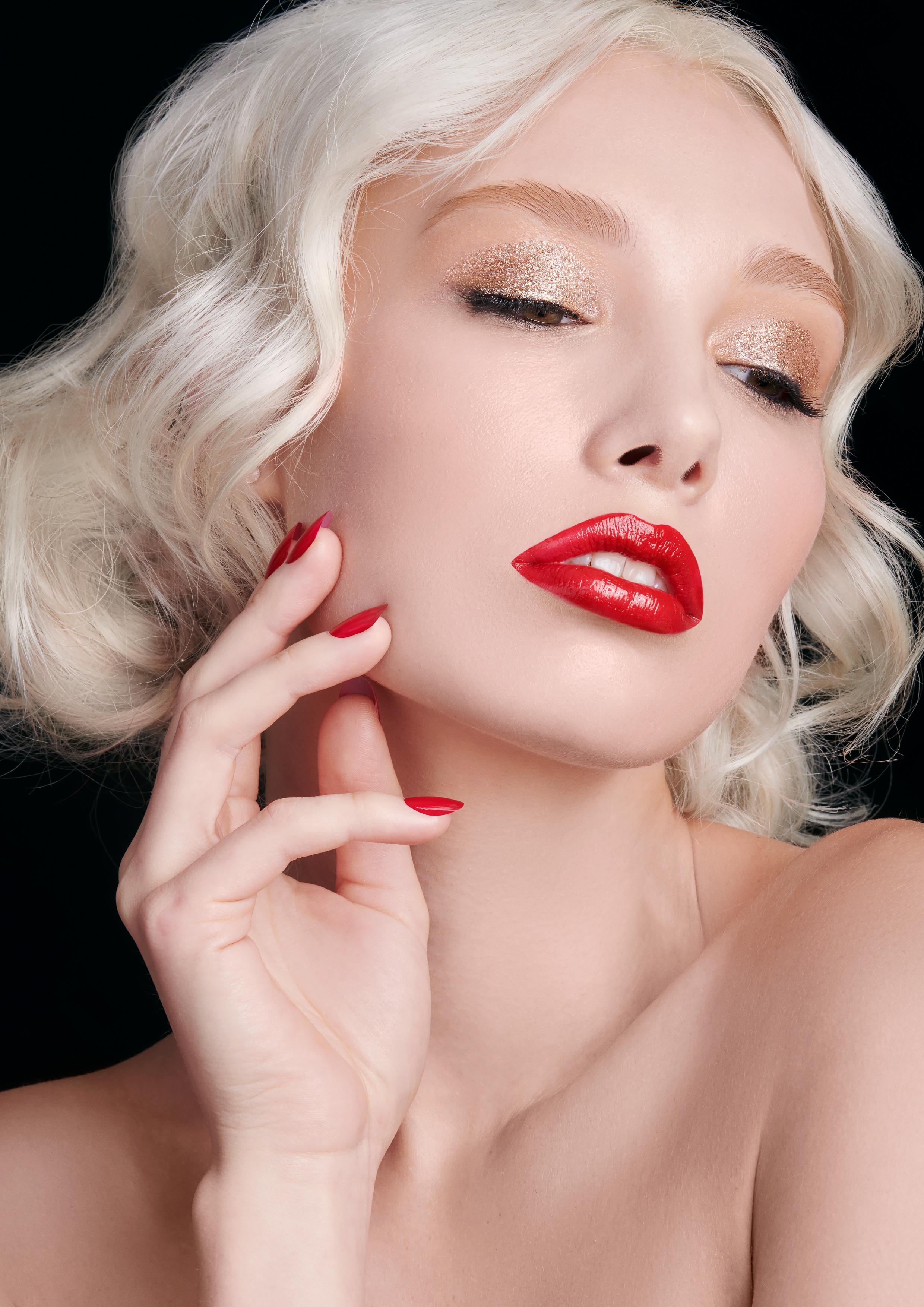Makeup Artist -