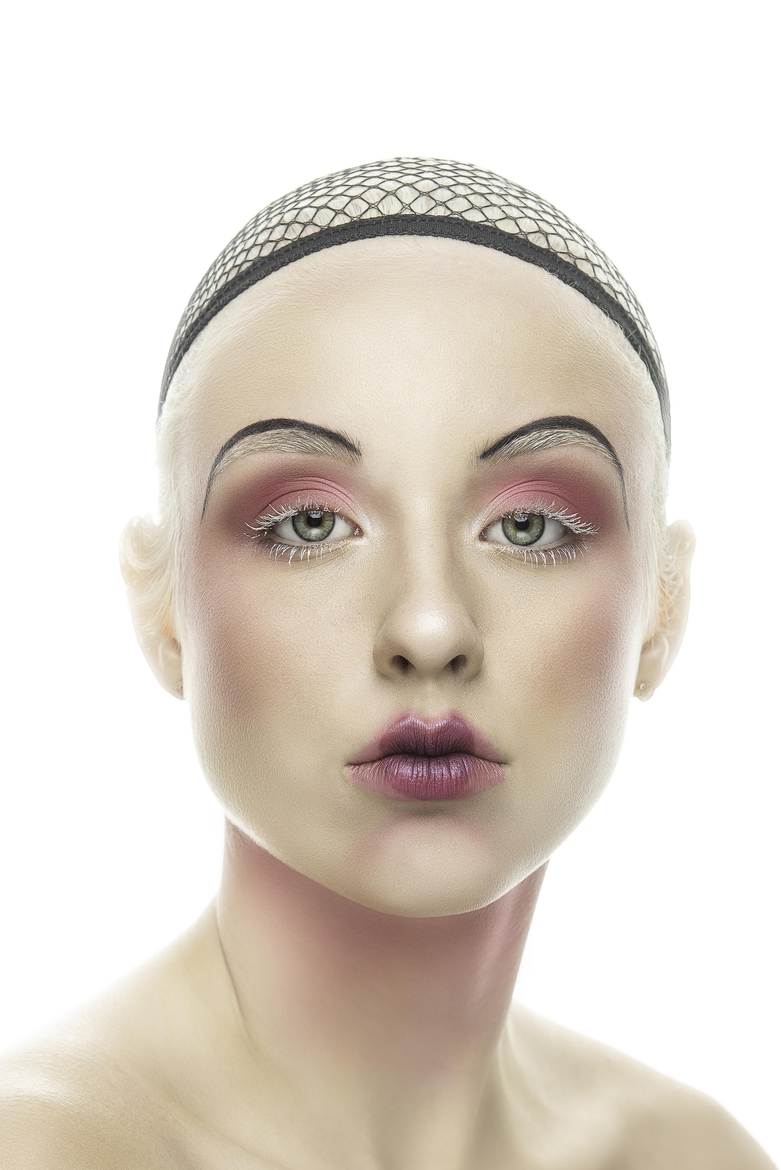 Makeup Artist - Dana Harris