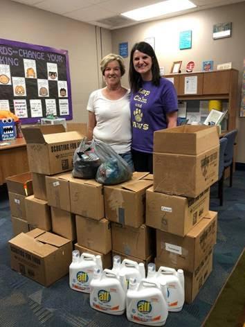 (Eureka UMC member Norma (L) and Eureka Elementary School counselor Katie (R)