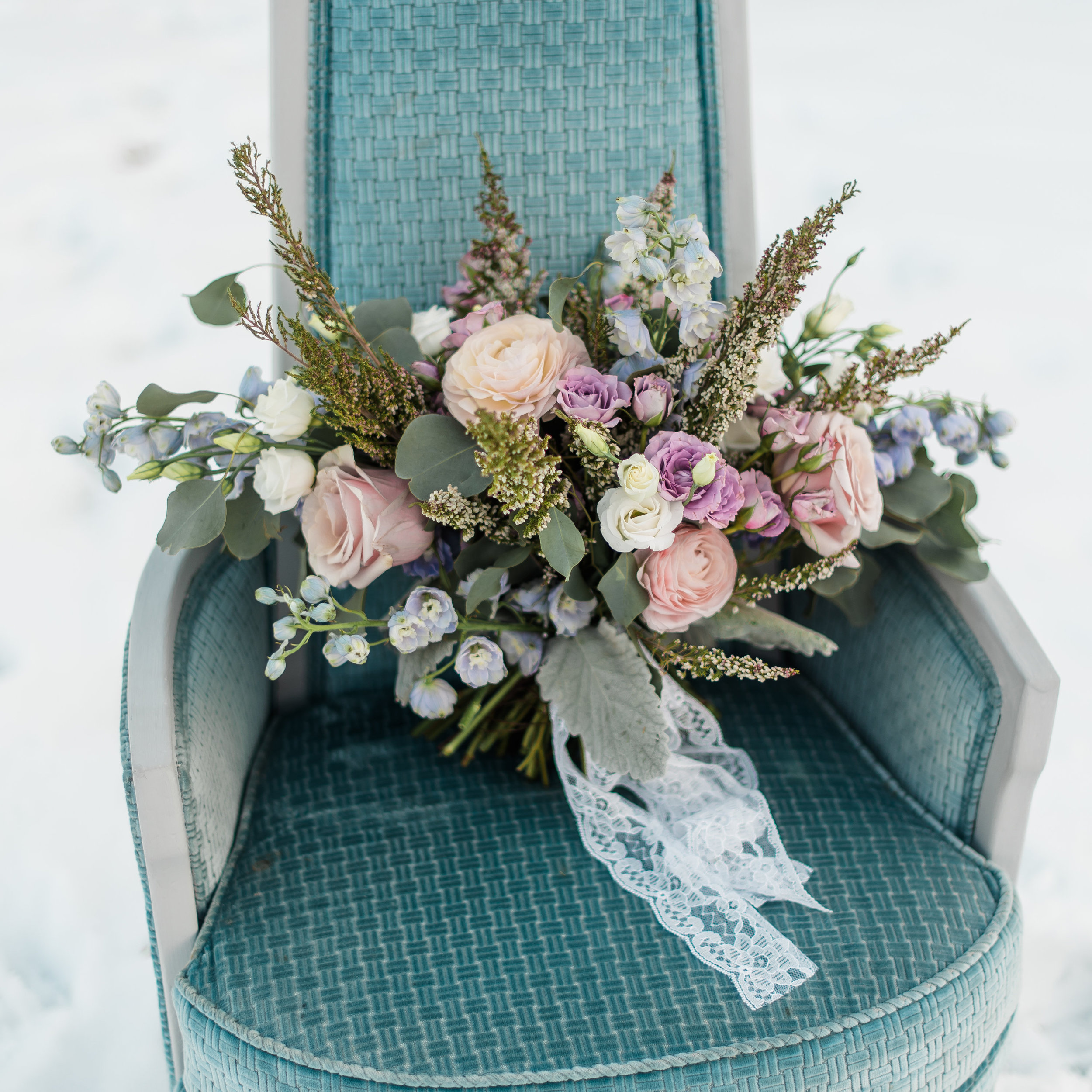 winter-romantic-snowy-pastel-pennsylvania-pittsburgh-wedding-styled-shoot-0005.jpg