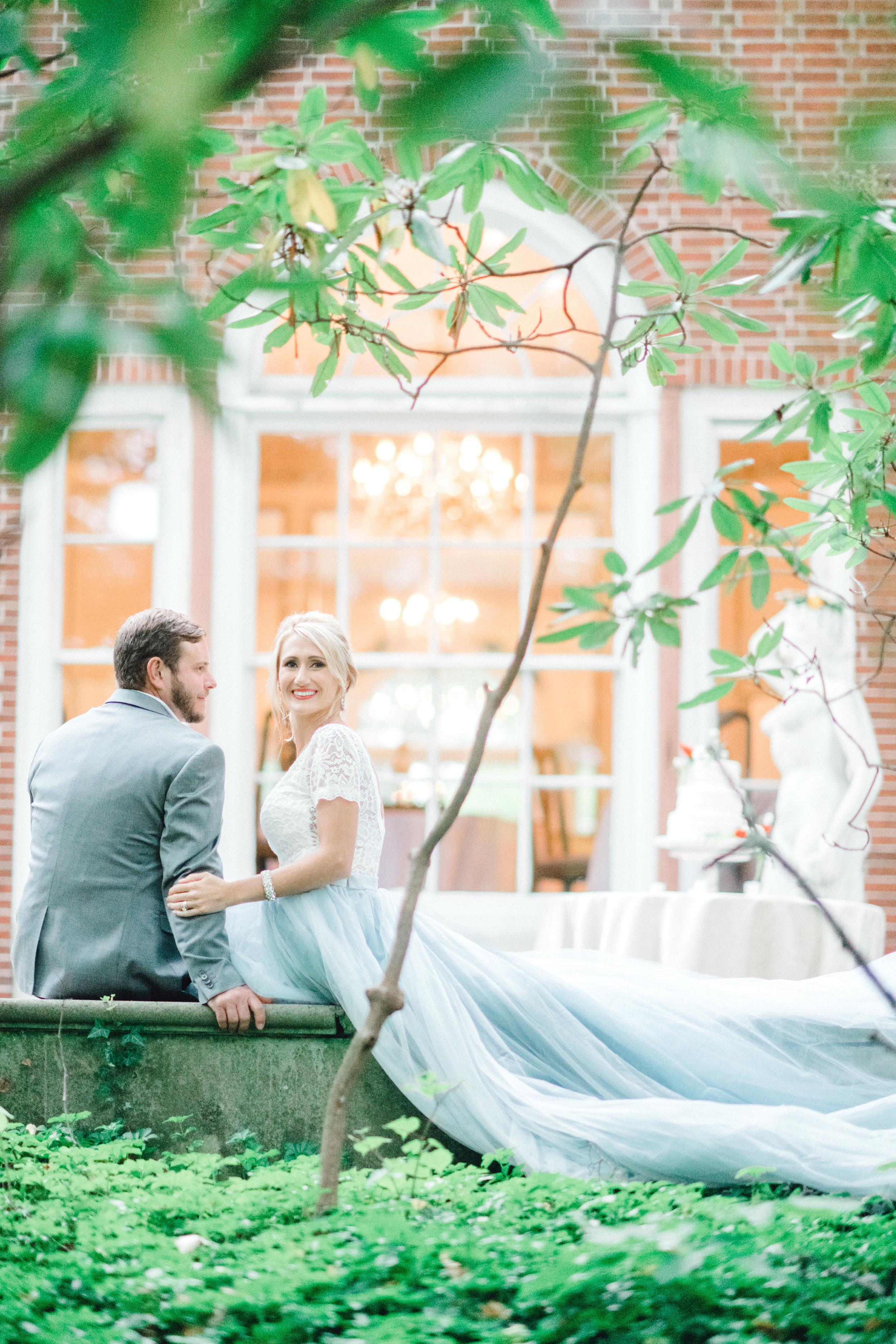 Jessica-Garda-Events-Pittsburgh-Wedding-Planner-Mansion-Butler-Blue-Grey-Orange-Palette (14).jpg