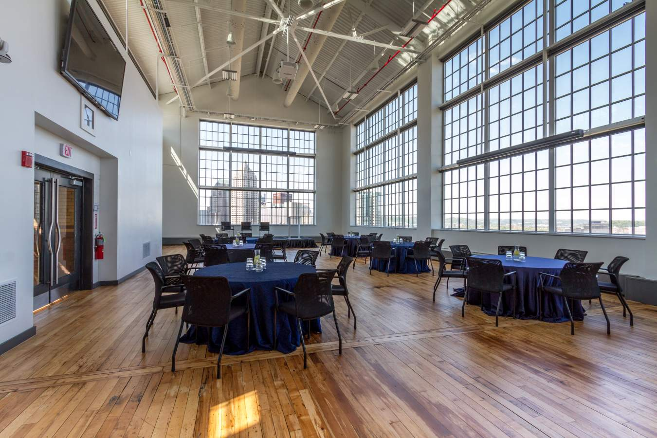 Energy Innovation Center EIC Pittsburgh Wedding Venue with a view Jessica Garda Events.jpg