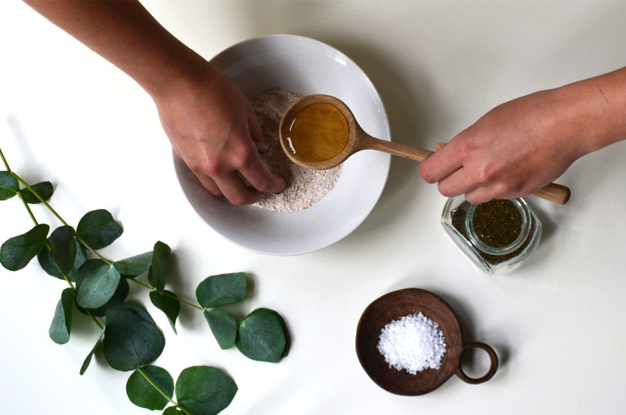 Ethical beauty workshop by Bezalel | The best experiences you can buy your loves ones this Christmas & why this is better for the planet | Eo-friendly living by The Foraged Life