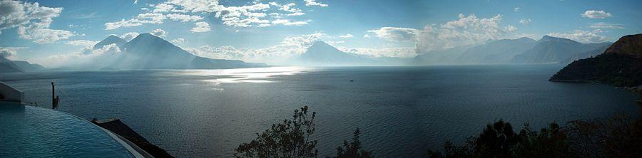 900px-Atitlan_Lake.jpg