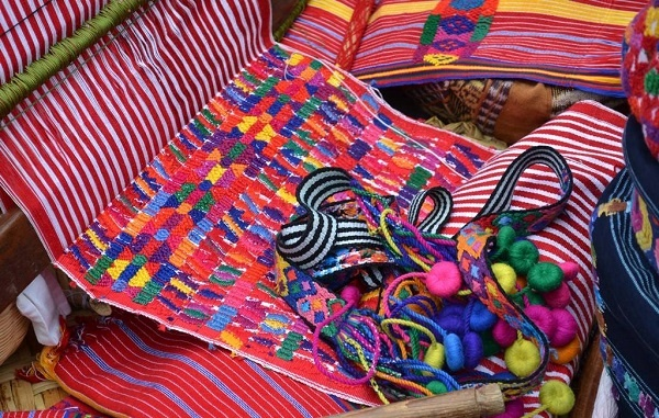 guatemala_indigenous_textile_design.jpg_888881121.jpg