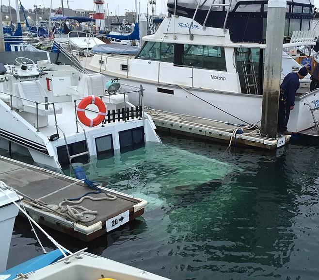Sinking_boat_t658.jpg