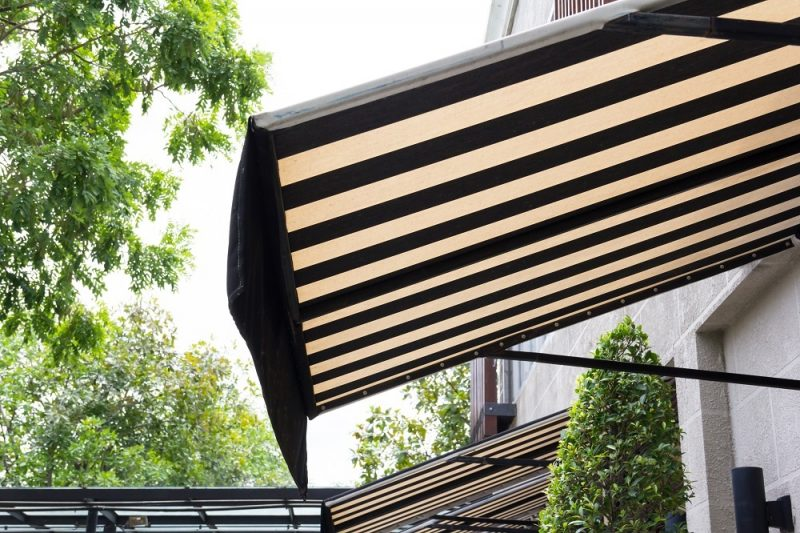 Window-Awning-for-Your-House-800x533.jpg