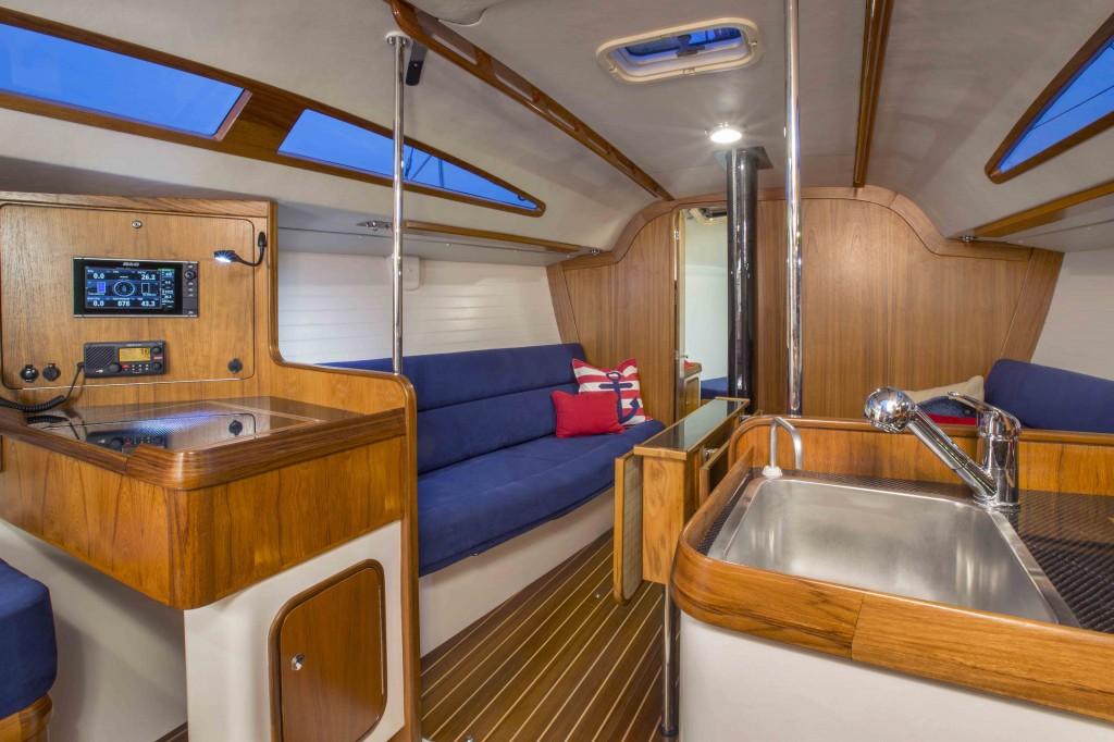 Redline-41-Port-Salon-and-Nav-1024x682.jpg