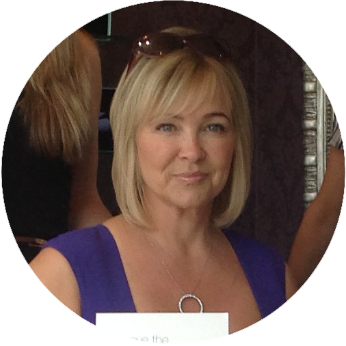 Janet - Janet has over 30 years of experience specialising in colour and has a long standing following of loyal clients.Favourite filmShindler's ListFavourite drinkG&TFavourite placeCalifornia