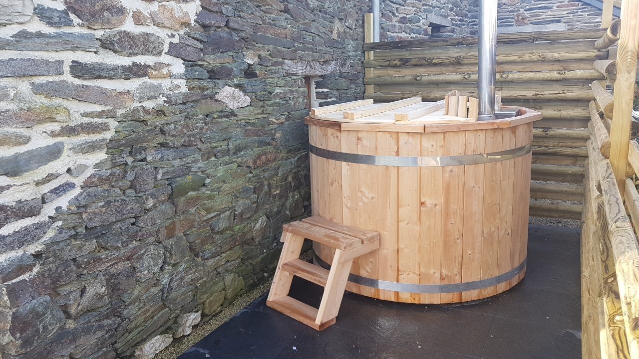 Woodview hot tub 2.jpg