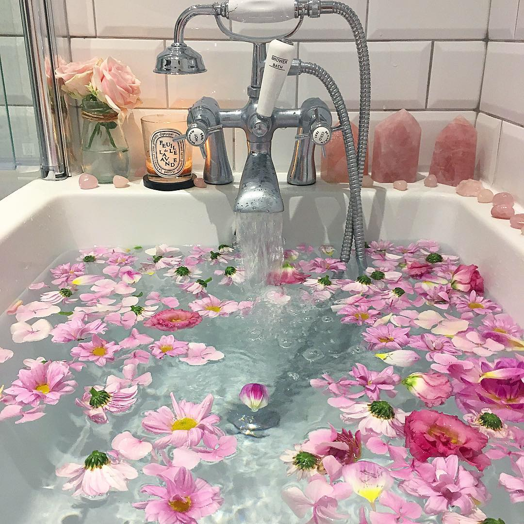 This isn't my bath (I wish it was!) I can't find the artist, if you know, LMK so I can credit it!)