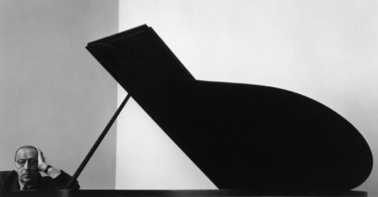 Igor Stravinski, by Arnold Newman (1946)