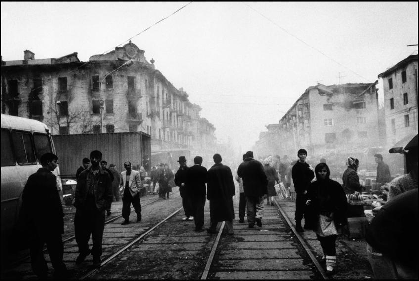 """Stanley Greene, """" CHECHNYA """" Grozny, Tchétchénie, 1995"""