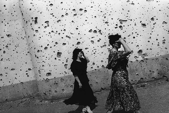 Thomas Dworzak/Magnumphotos CHECHNYA, Grozny. 7/1996. The shrapnel-splattered wall of the Central Exhibition Hall.