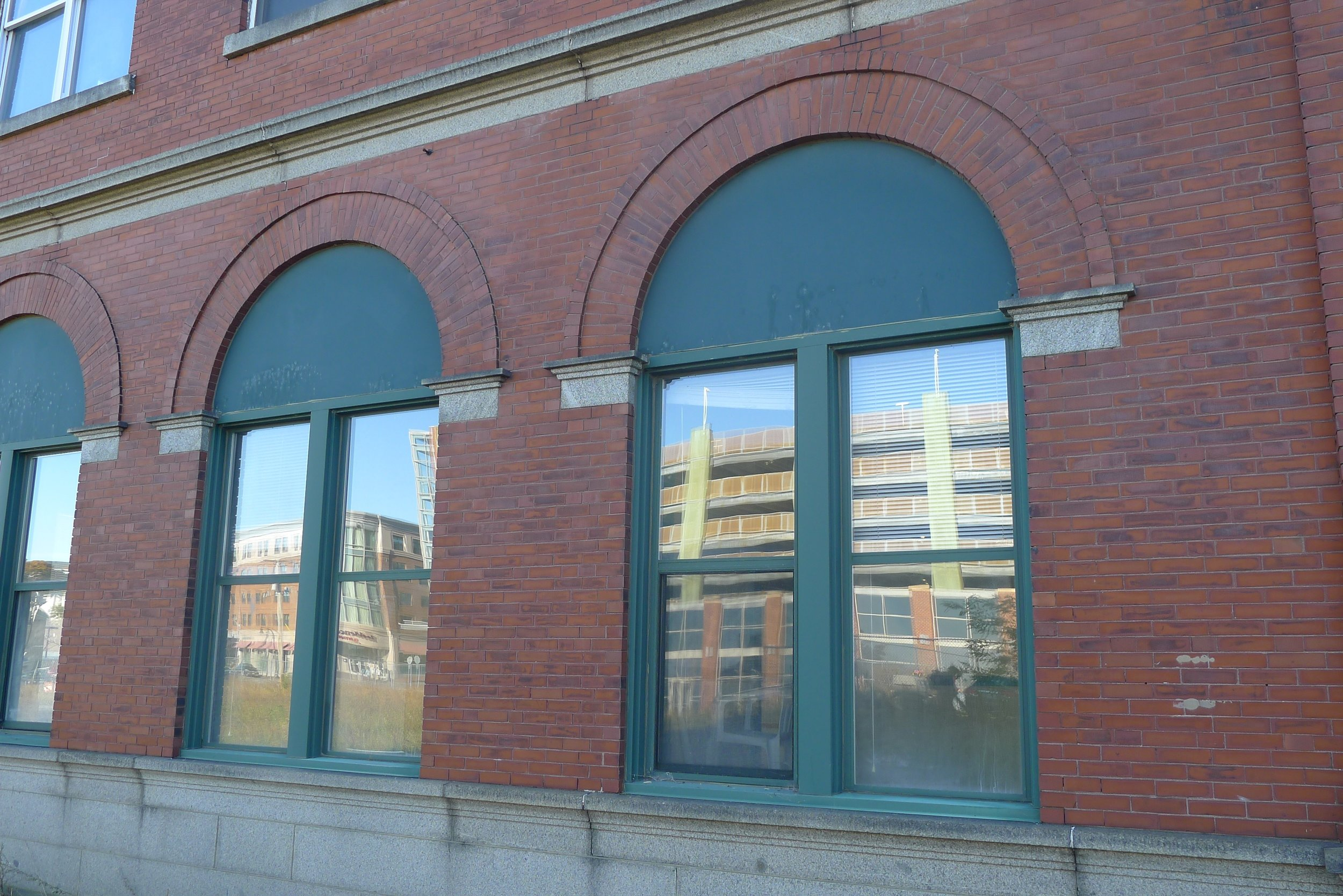 Photo 4 Before -arched windows - grand trunk -P1070342.jpg