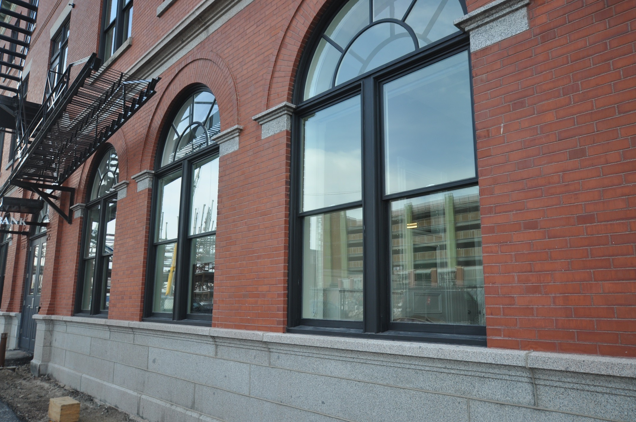 Photo 22 after- arched windows -Grand Trunk-DSC_0090.jpg