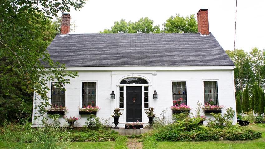 The 1820s-era Captain Dunbar Henderson House in Thomaston