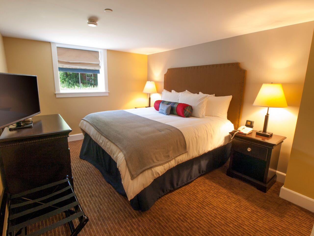 108 BED (2).jpg