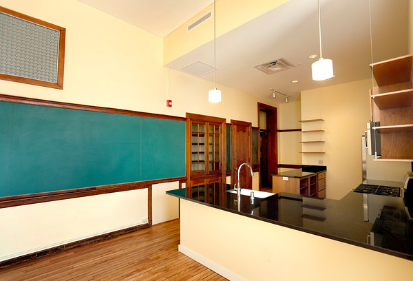 14 Interior unit with blackboard.jpg