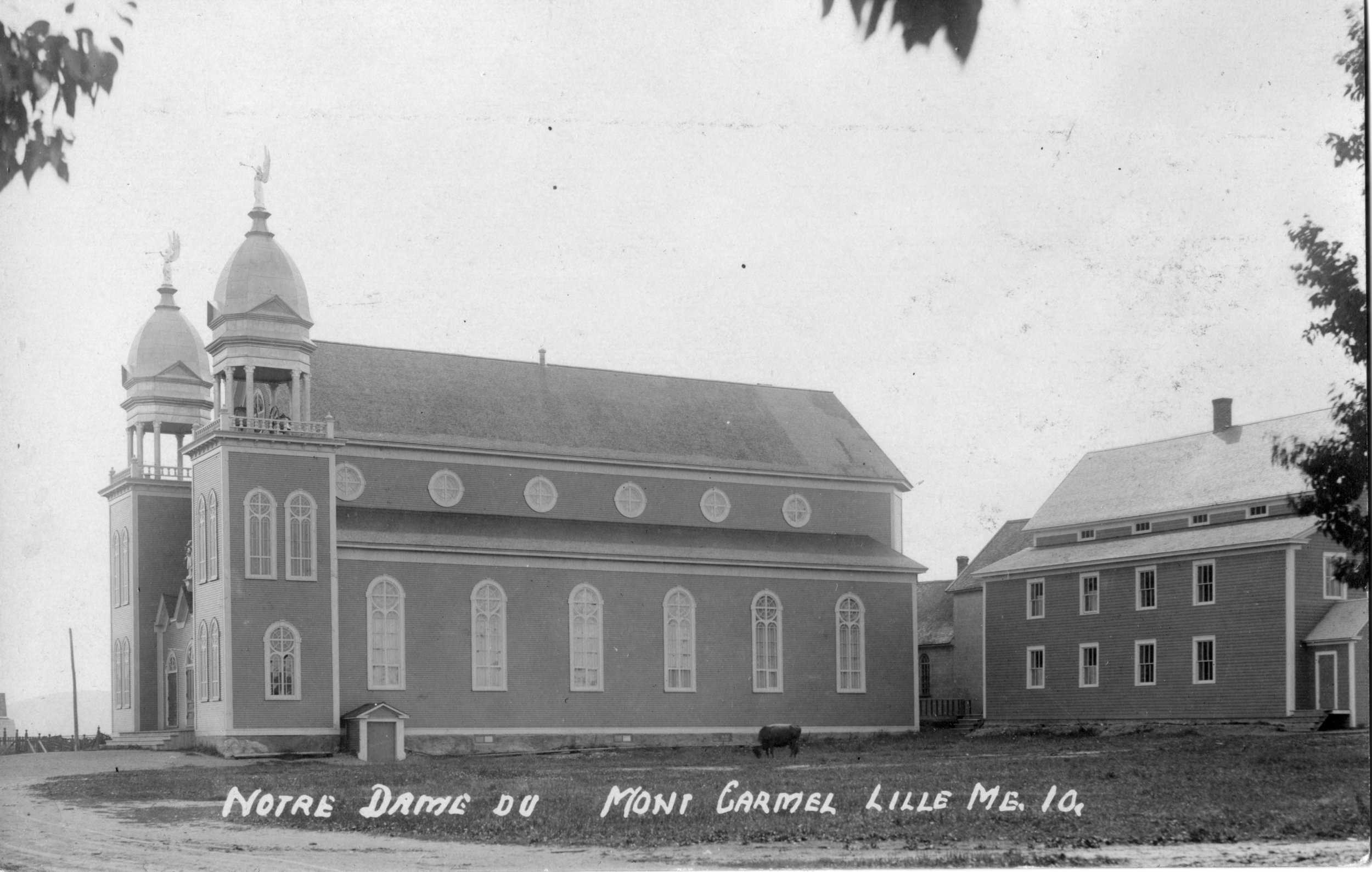 Lille church and convent c. 1919.jpg