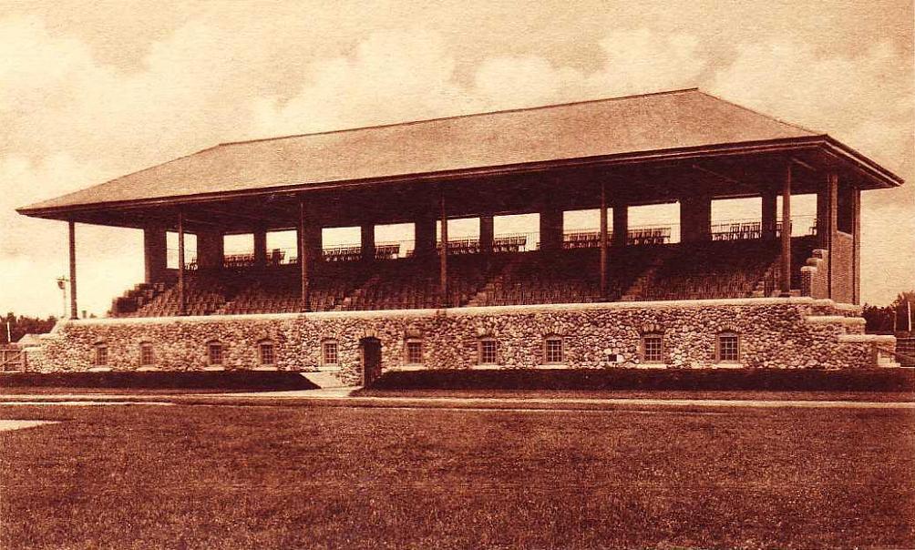 Hubbard_Grandstand,_Bowdoin_College,_Brunswick,_ME high res.jpg