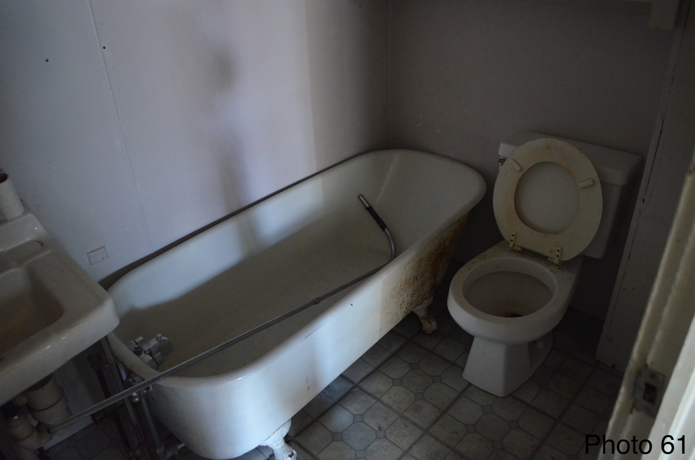 8 Example of bathrooms.png