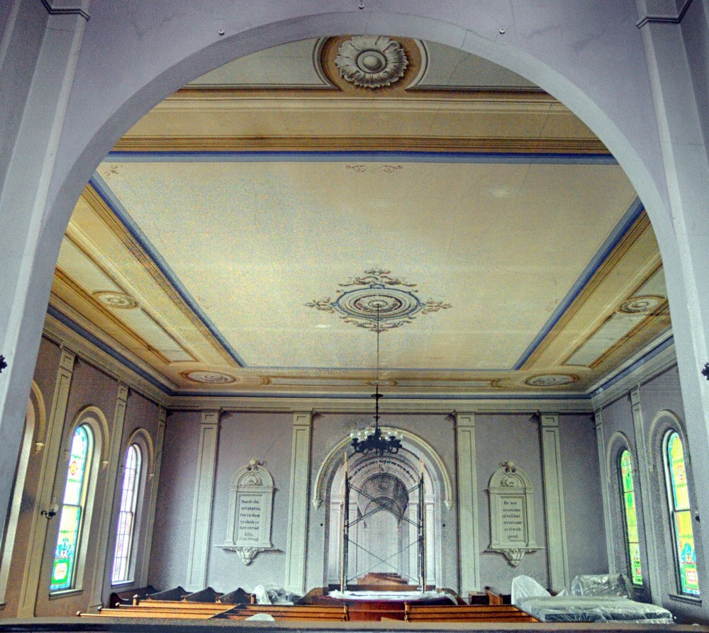 Interior of Union Meeting House 3.jpg