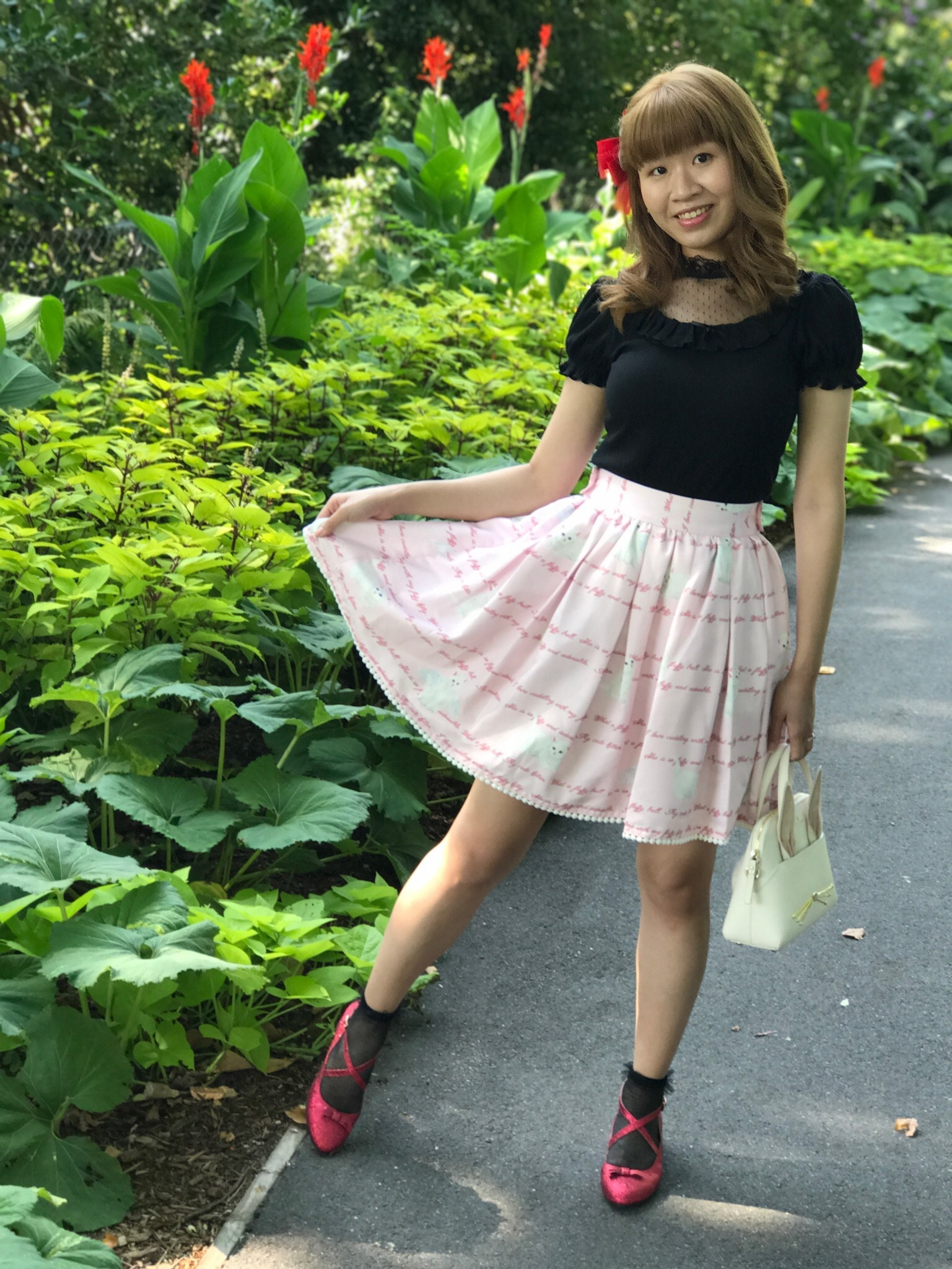 Top, skirt, shoes, earrings: Ank Rouge; bag: Kate Spade; socks: tutuanna.
