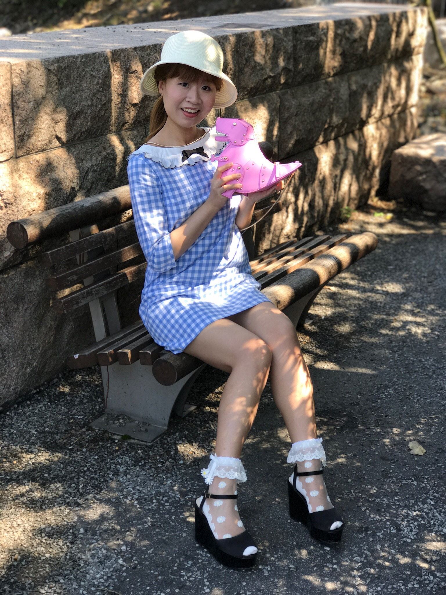 Hat: LODISPOTTO; dress: MILK; bag: Kate Spade New York; socks: LIZ LISA; shoes: dazzlin.