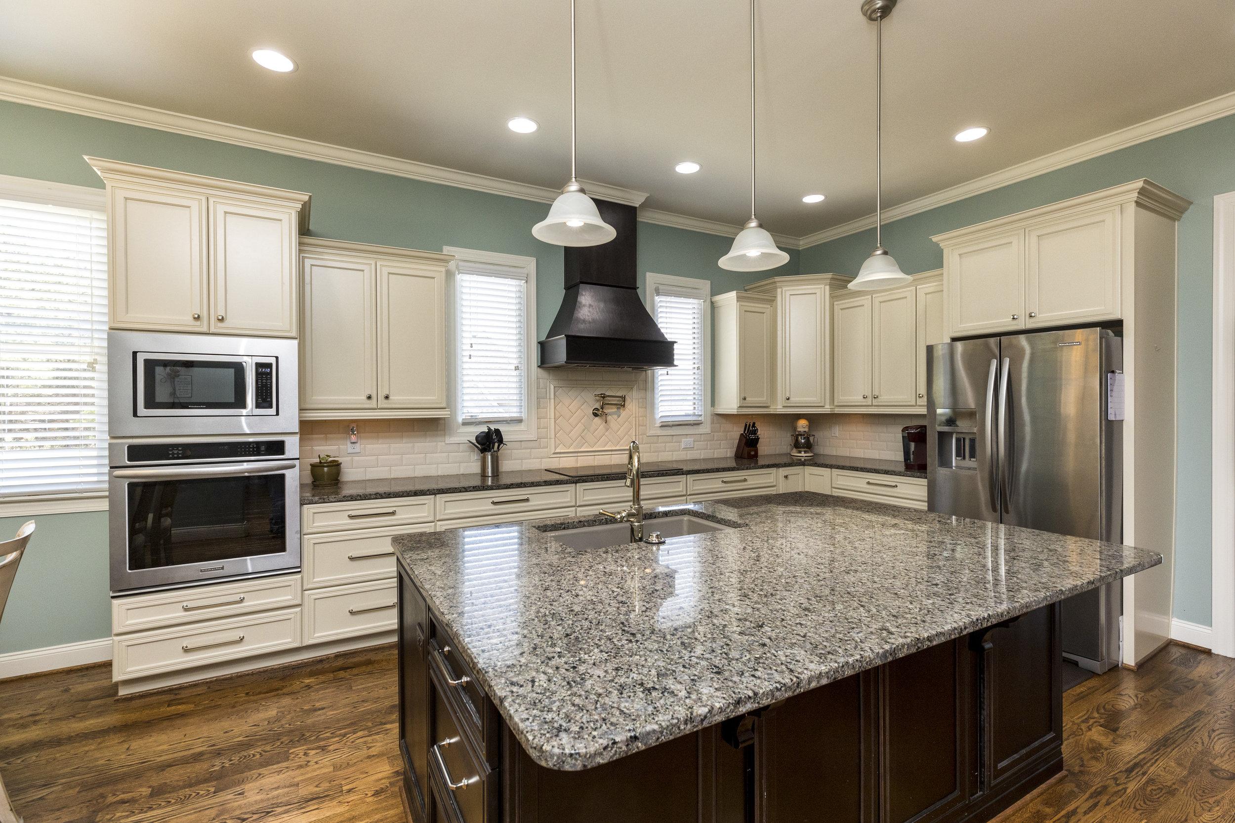 1009 best kitchen.jpg
