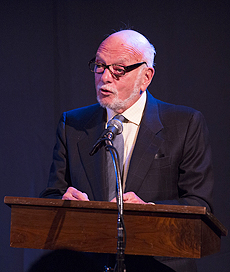 - Hal at podium