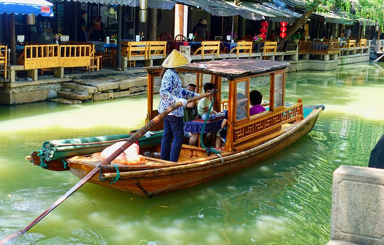 Boat ride through Suzhou's lovely canals