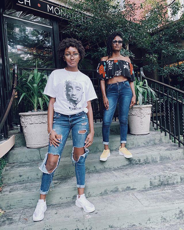 The dopeness is genetic. 🙌🏾🙌🏾🙌🏾 @dantreselechelle for @ashlee_thomas.  #sneakers #nikekicks #motherdaughter #blackgirlmagic #houstonbloggers #iphonography #sonyalphafemale #brownskingirls
