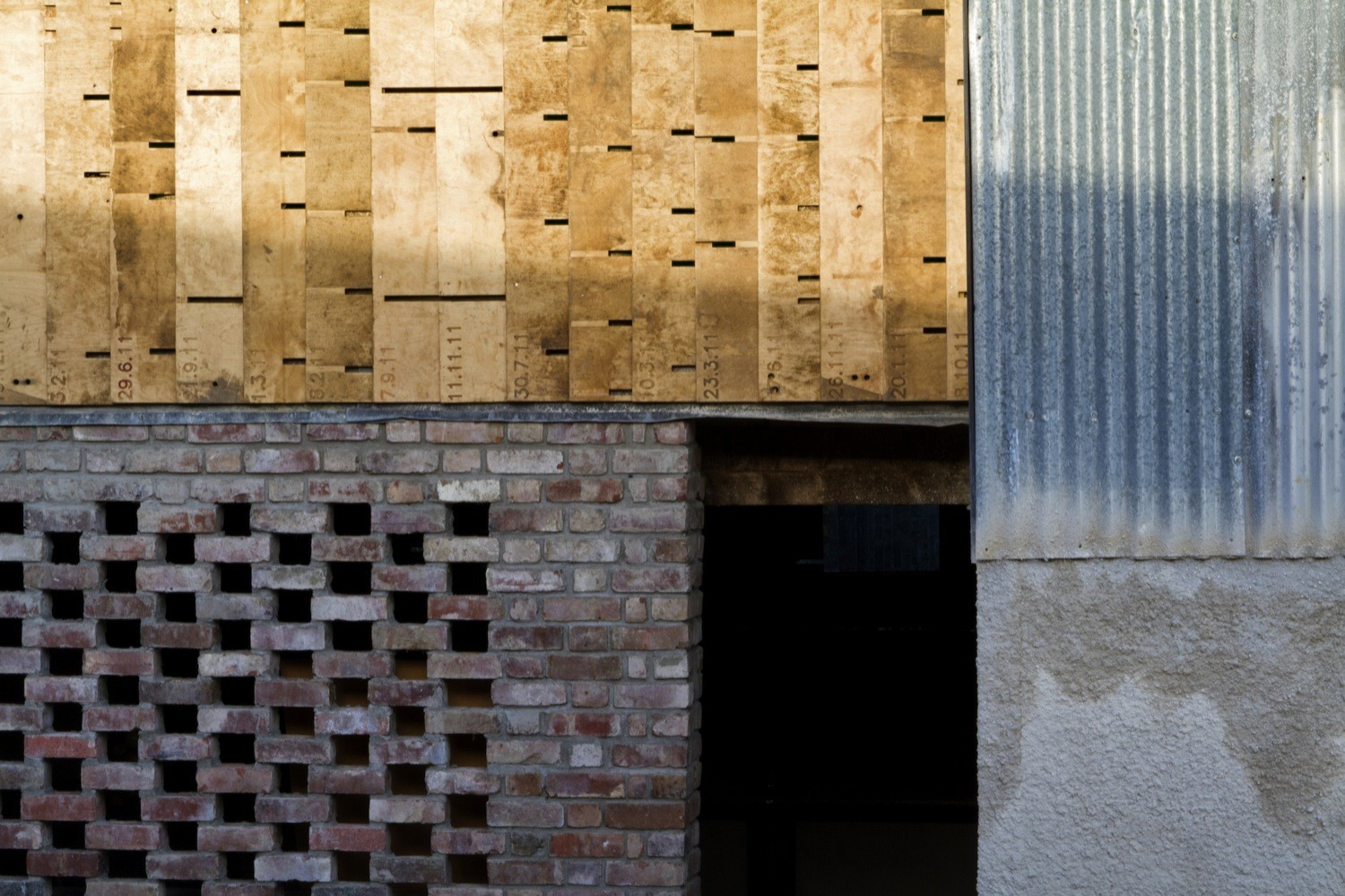 Cowshed__design_and_build_workshops_led_by_Cowshed_Collective._Image_by_Ste_Murray_(4).jpg