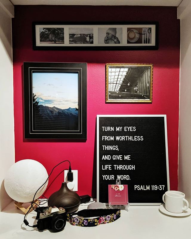 This is arguably my favorite spot in my house. Photos from friends, my letter board, a 3-d printed moon, essential oils, verse cards, my camera, and coffee. It's the first place I see when I come downstairs in the morning and it just makes me smile. ☺️ What are some of your favorite things? . . . . .  #wherethewillowsgrow #createdtoday #timeforcreativesouls #thehungrycreatives #artistherapy #createdtocreate #creativetherapy #arttherapy #womenwhomake #creativelife #fujifilmxt100 #photoaday #vscox #vscocollective #wethecreators #ipreview via @preview.app
