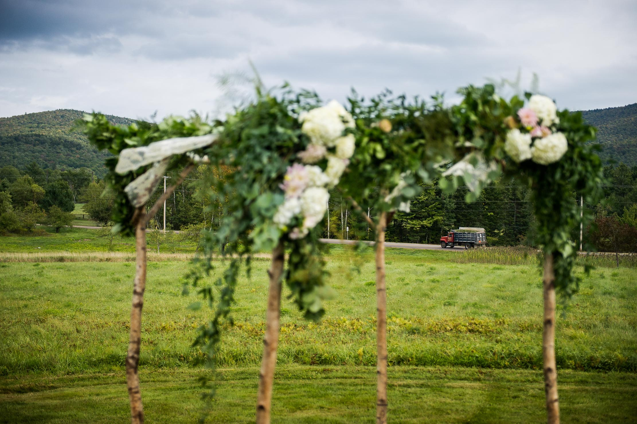 VERMONT-BARN-NYC-WEDDING-PHOTOGRAPHER-1049.jpg