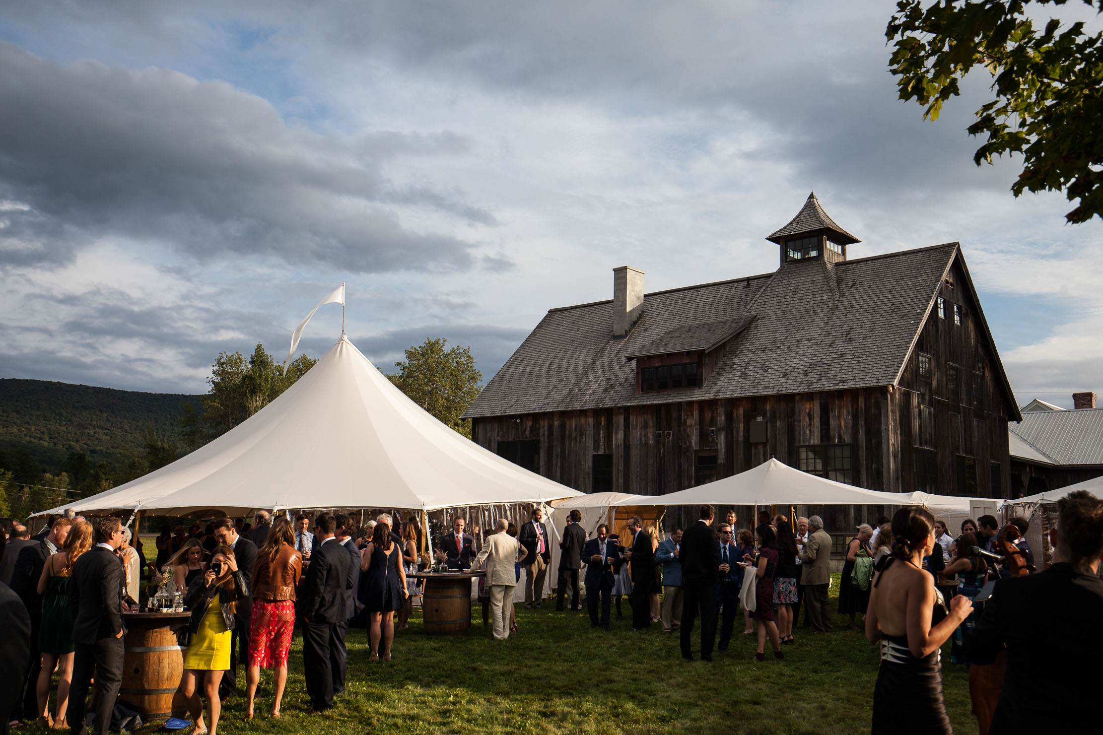 VERMONT-BARN-NYC-WEDDING-PHOTOGRAPHER-1082.jpg