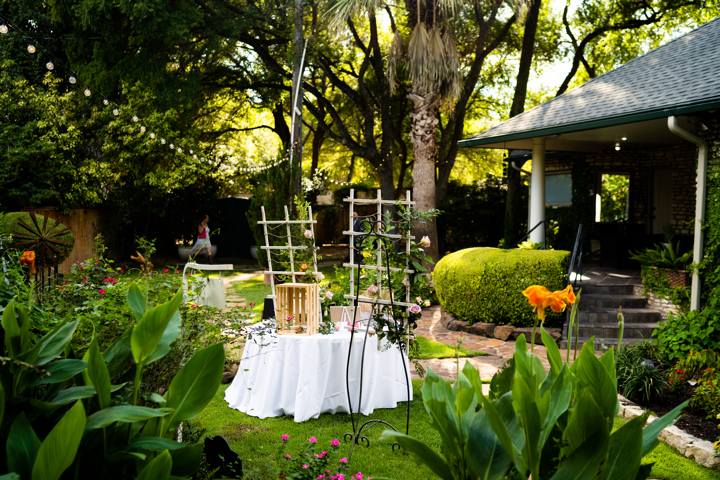 KatieSammyPreviews-Hummingbird-House-Austin-Wedding-1047.jpg